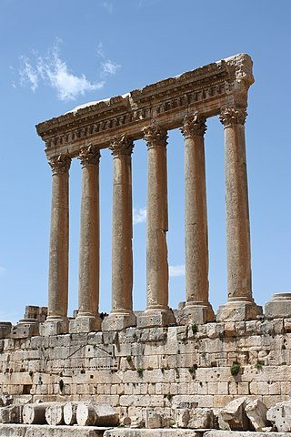 https://i1.wp.com/upload.wikimedia.org/wikipedia/commons/thumb/0/0c/Baalbek_-_temple_of_Jupiter.jpg/320px-Baalbek_-_temple_of_Jupiter.jpg