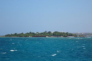 English: A private island next to Antiparos in...