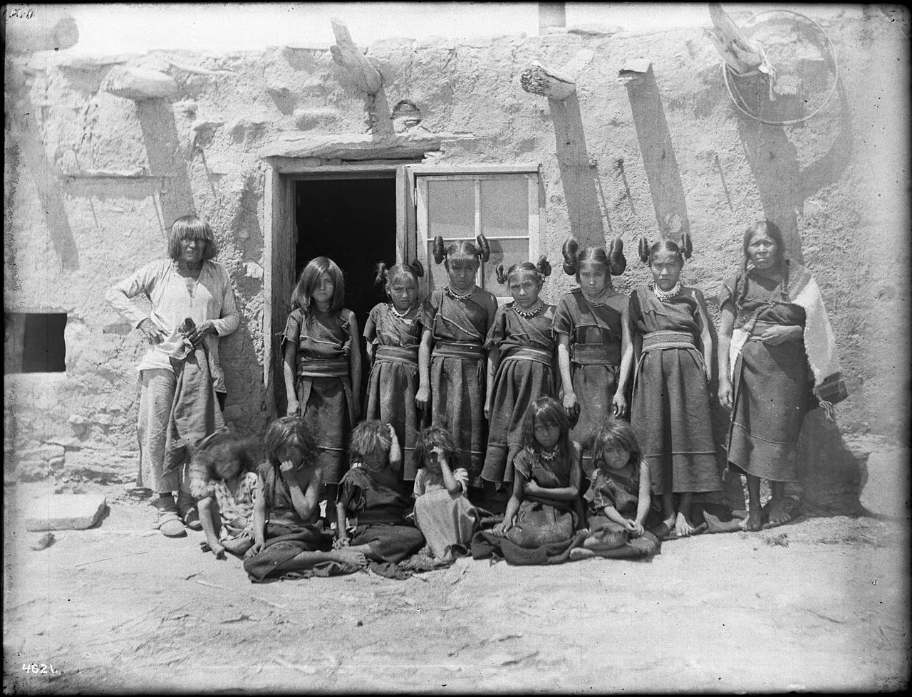 FileA Group Of Hopi Children Maidens A Married Woman