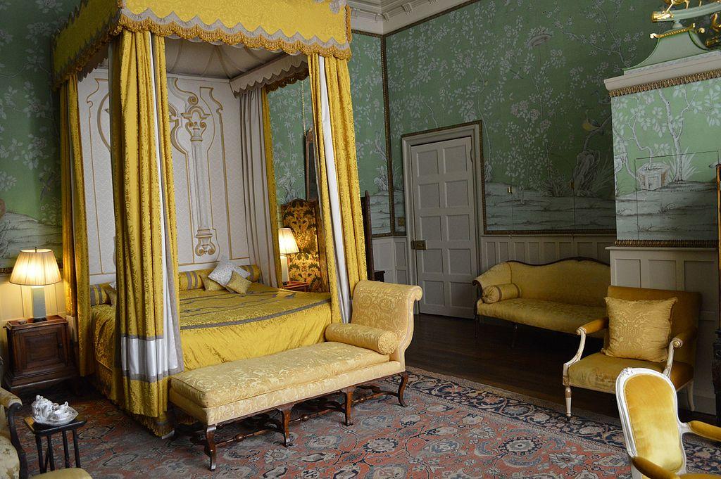 FileBedroom Hatfield House 19666194565jpg Wikimedia