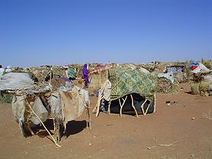 Campo de refugiados no sul de Darfur.