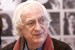 Français : Bertrand Tavernier en dédicace au S...