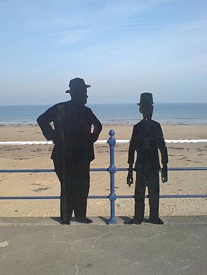 English: Silhouettes of Stan Laurel and Oliver...