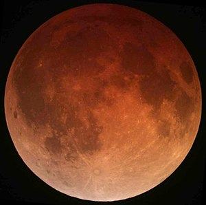 https://i1.wp.com/upload.wikimedia.org/wikipedia/commons/thumb/0/0f/Lunar_eclipse_April_15_2014_California_Alfredo_Garcia_Jr1.jpg/300px-Lunar_eclipse_April_15_2014_California_Alfredo_Garcia_Jr1.jpg