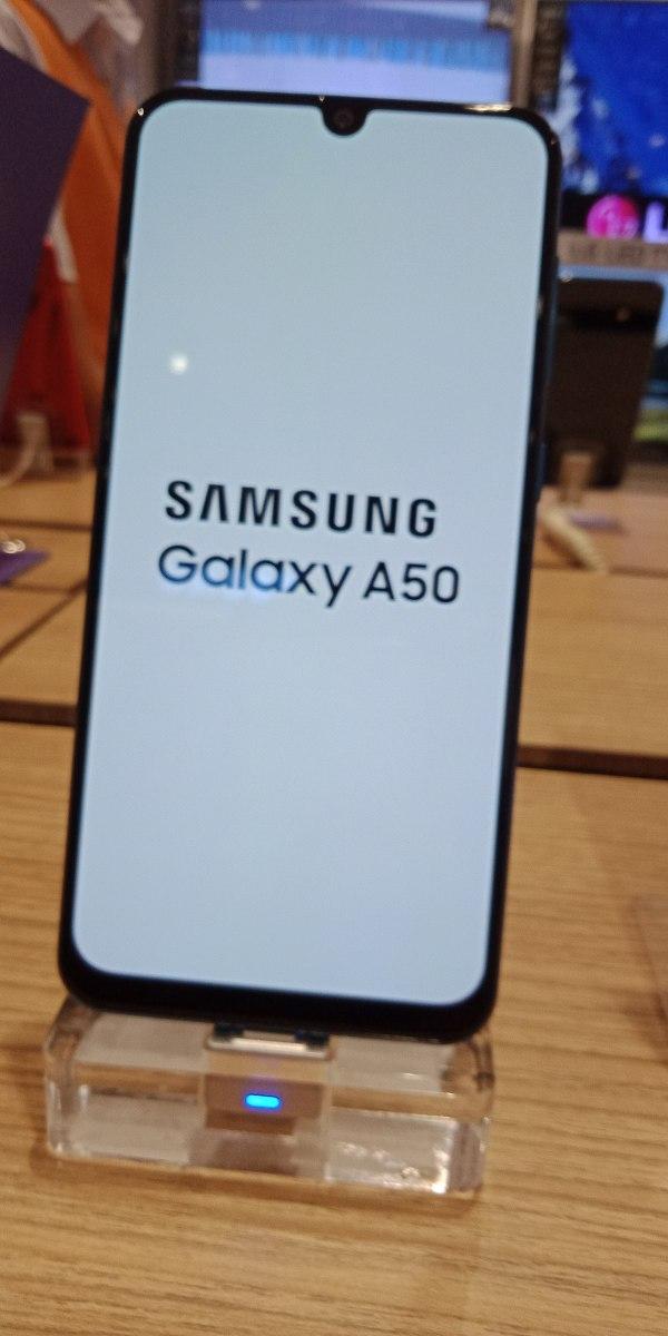 Samsung Galaxy A50 - Wikipedia