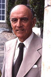 9th Duke of Richmond & Gordon 4th Duke of Lennox Allan Warren.jpg