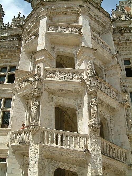 Château de Blois escalier monumental 2