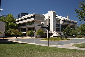 English: ANU School of Music, LLewellyn Hall.