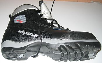 English: Backcountry ski boot from 2008. ???Norsk (nynorsk)???: Turskisko (BC-type) fra 2008