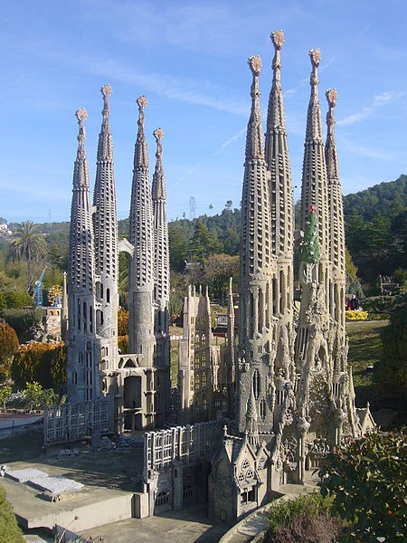 File:Catalunya en Miniatura-Sagrada familia 2.JPG