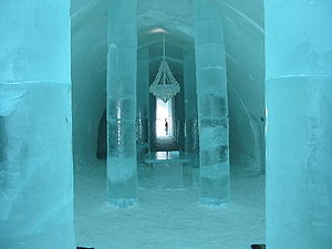 English: Ice Hotel in Sweden. Deutsch: Eishote...