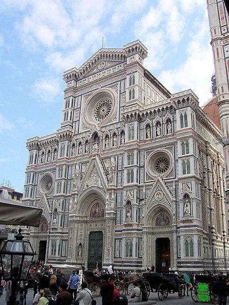 visiting the Firenze duomofacciata in Italy