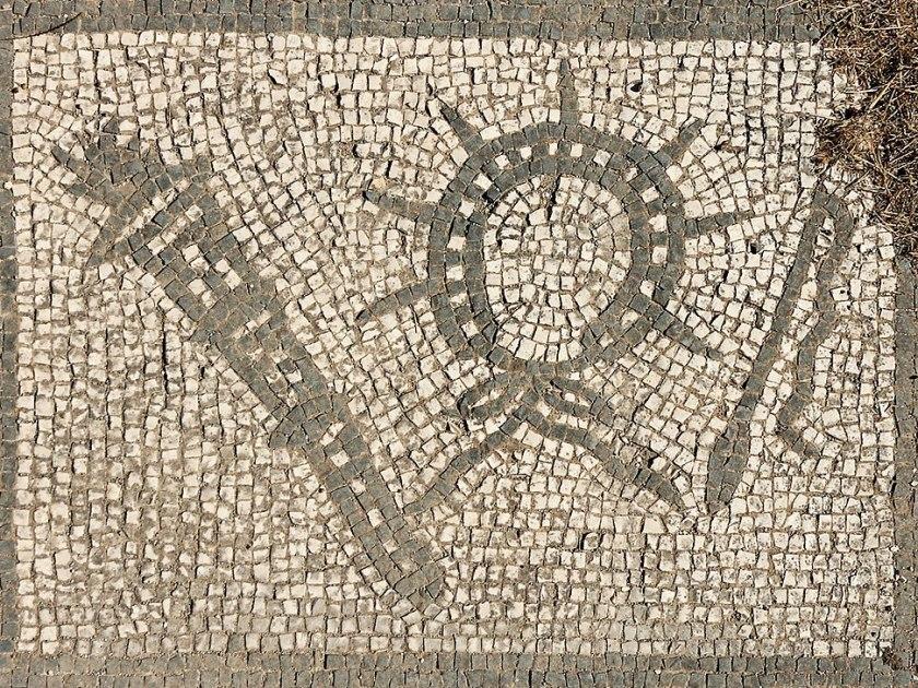 6th panel Mitreo di Felicissimus Ostia Antica 2006-09-08.jpg