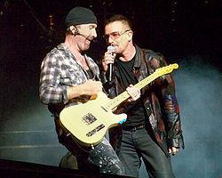 Bono Edge Foxboro 09212009 U2360
