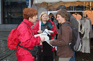 Pictures from Equal Pay Day actions in Leuven.