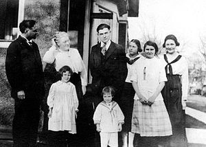 The Clarence E. Hemingway family, Oak Park, Il...