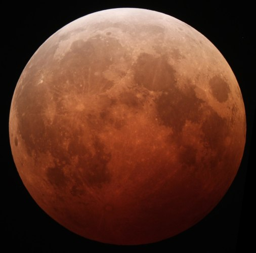 Lunar eclipse October 8 2014 California Alfredo Garcia Jr mideclipse.JPG