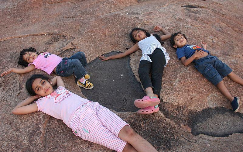 https://i1.wp.com/upload.wikimedia.org/wikipedia/commons/thumb/1/14/Happy_children_at_sunset_point%2C_Hampi%2C_India.jpg/800px-Happy_children_at_sunset_point%2C_Hampi%2C_India.jpg