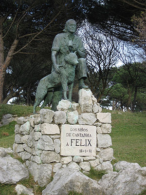 English: Statue of Félix Rodríguez de la Fuent...