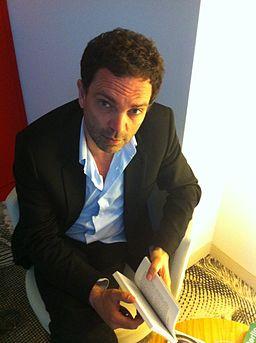 Yann Moix / par Talita1 sur Wikimédia Commons - CC-BY-SA