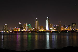 English: Downtown San Diego Skyline at night, ...