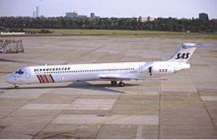 SAS McDonnell Douglas MD-81 (DC-9-81) OY-KHO KvW-1.jpg