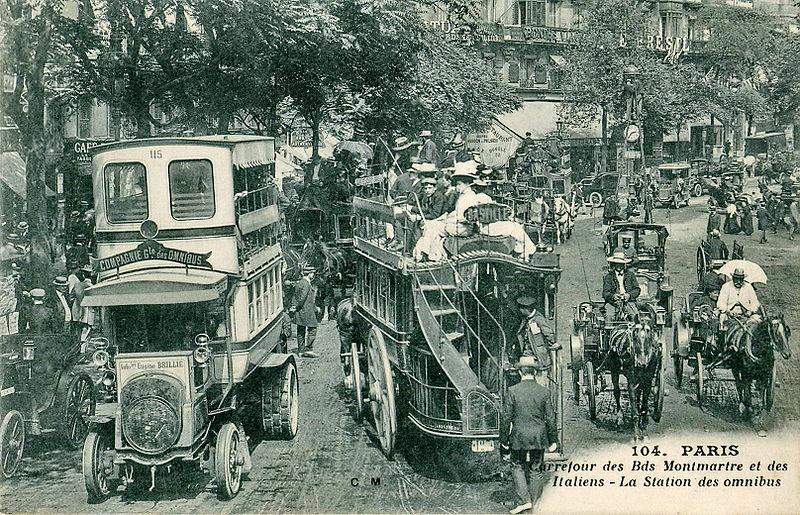 File:CM 104 - PARIS - Carrefour des Bds Montmartre et des Italiens - La station des omnibus.JPG
