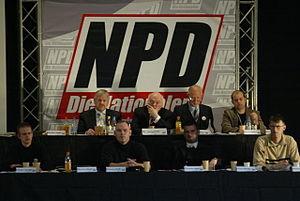 Vorstand beim NPD-Bundesparteitag 2006 Dr. Axel Thiesmeier