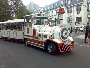 The Montmartre Bus doing the rounds near to th...