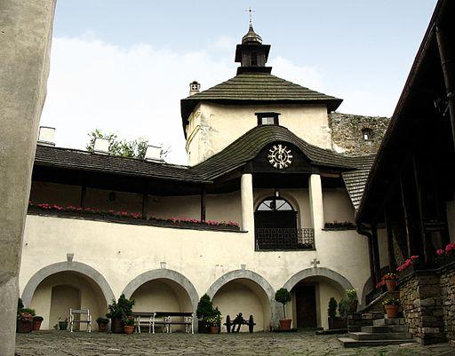 Niedzica - Zamek Dunajec - dziedziniec