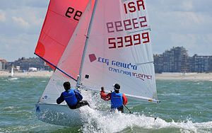 English: Side wins sailing