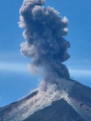 Español: El Volcán Santiaguito se ubica en Que...