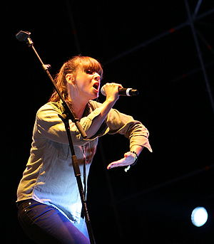 Cat Power performing in May 2008.
