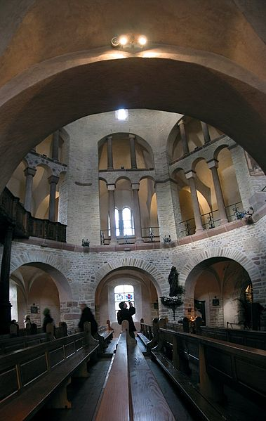 Archivo:Ottmarsheim innen.jpg