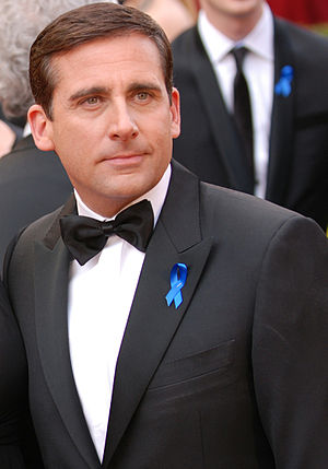 English: Steve Carell pauses for a moment to t...
