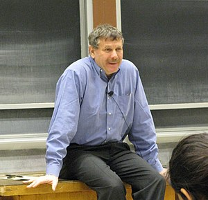 English: Professor Eric Lander teaching the fi...