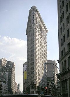 Flatiron building by day september 20004.jpg