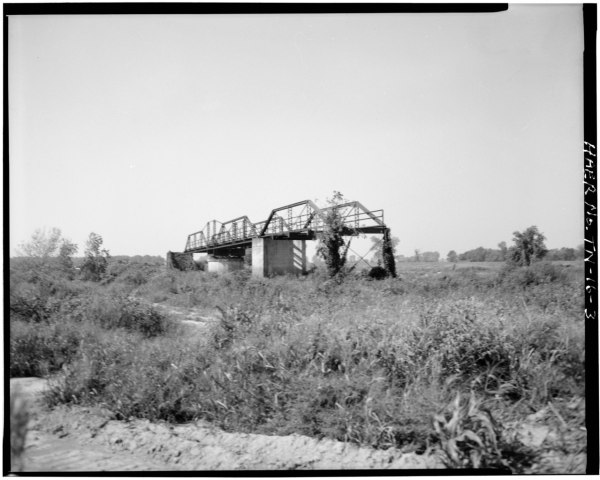 File:VIEW OF REMAINING CENTER SPAN, EAST APPROACH TRUSS ...