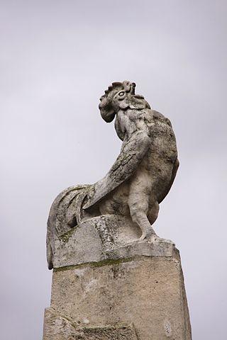 Der triumphierende gallische Hahn - Soldatendenkmal in La Rochelle, Frankreich