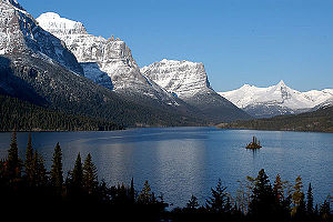 St. Mary Lake and a view of Wild Goose Island ...