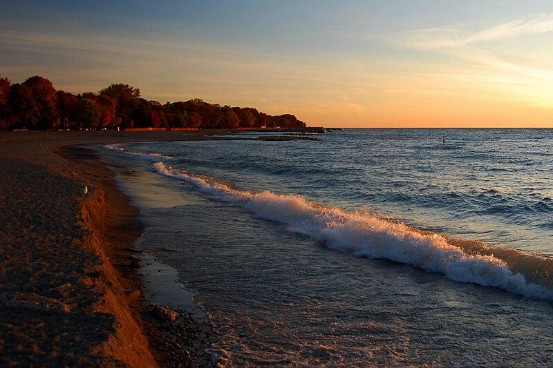 File:Waves on the Beach.jpg