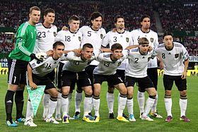 Deutsche Nationalmannschaft Vor Dem  Sieg In Wien Im Em Qualifikationsspiel Gegen Osterreich Am