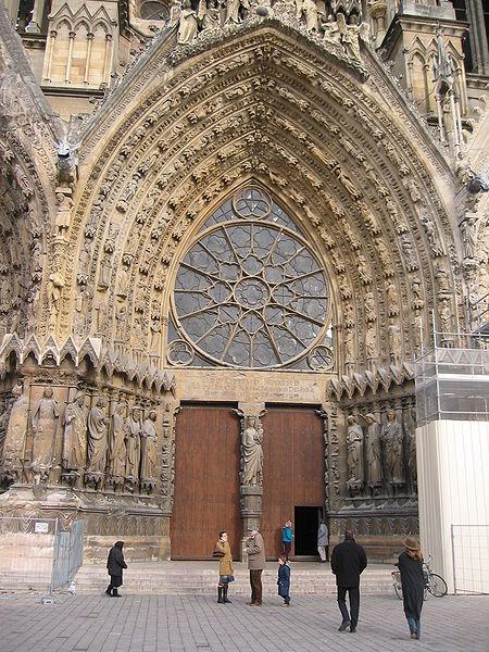 środkowy portal katedry w Chartres
