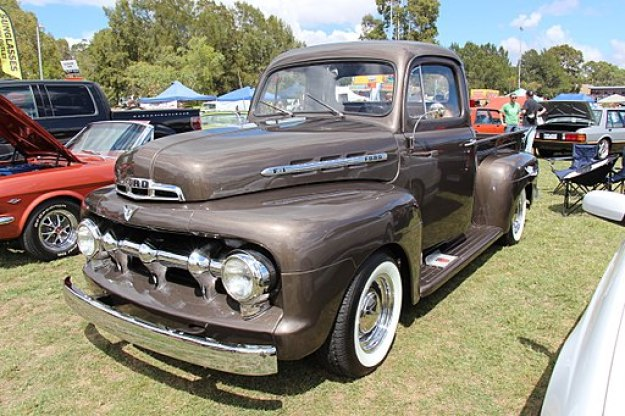 1951 Ford F-1 Five Star Cab Pickup (12763891075)