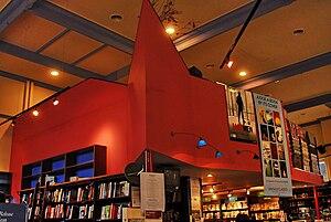 English: bookshop in port Melbourne