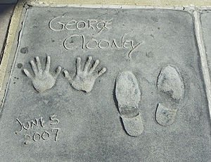 English: George Clooney's hand and footprints ...
