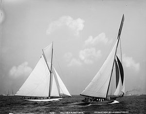 English: Yachts Columbia and Shamrock, the con...