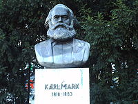 Estatua de Karl Marx en la Karl-Marx-Allee, Berl�n