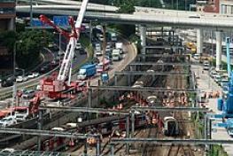事故 新 十津川 京急脱線事故、1人死亡33人けが 乗客約500人避難