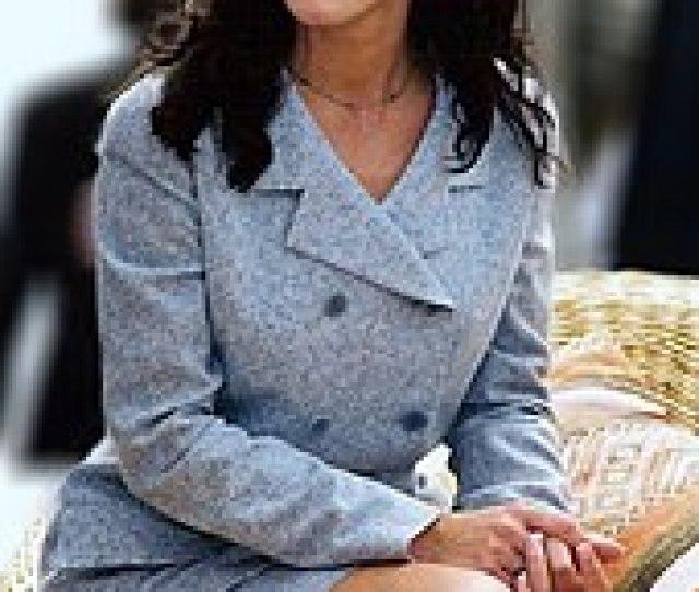 Sandra Bullock Sitting